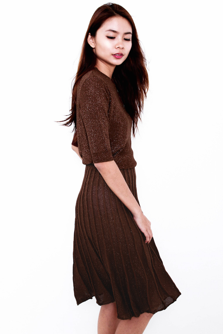 Matilda Statement 2-Piece Pleat Set in Coffee [V1.]