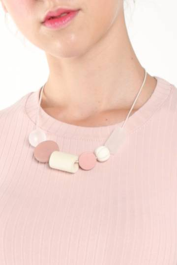 FROSTED BLOCKS NECKLACE