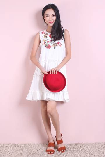 NM EXCLUSIVE CECIL BOHEMIAN EMBROIDERY BABYDOLL DRESS IN WHITE [XS/S/M/L]