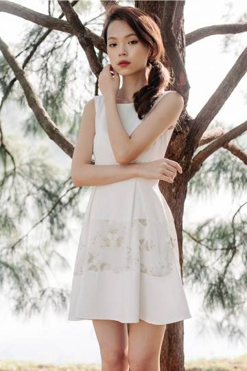 Gold In The Meadows Dress (White)