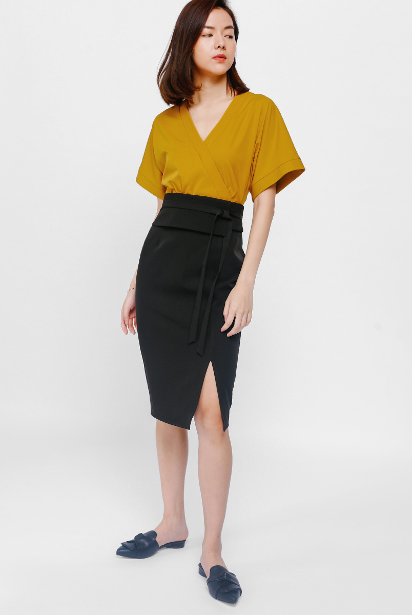 Otyu Origami Peplum Slit Pencil Skirt
