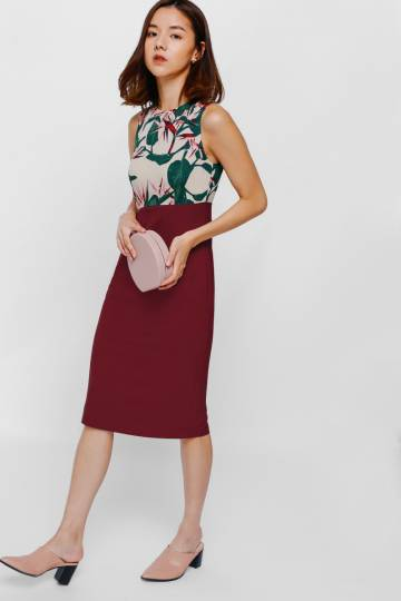 Nedya Contrast Floral Midi Dress