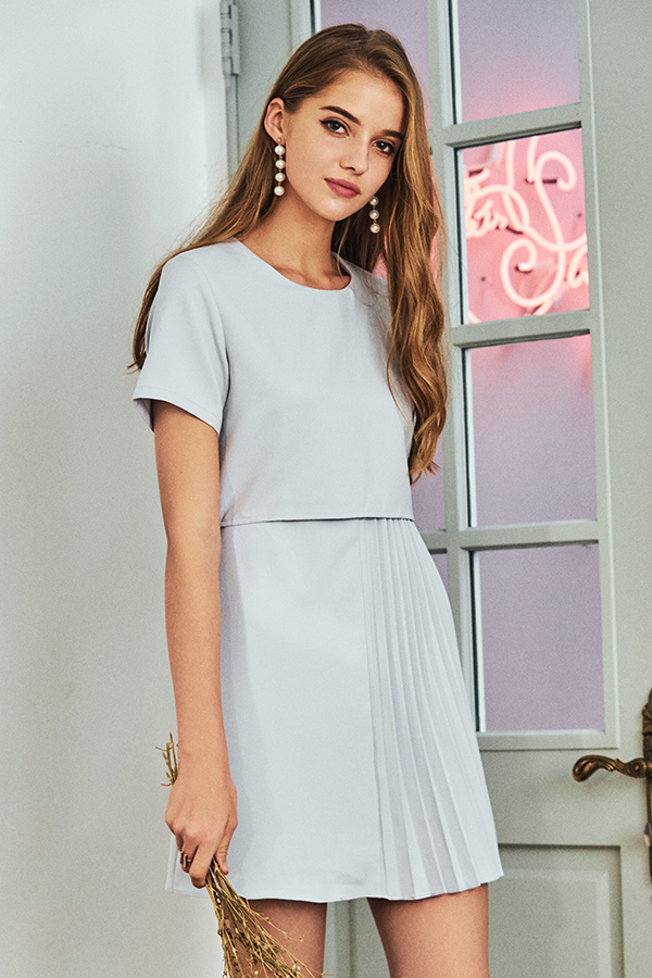 Stelle Pleated Dress in Ash Lavender
