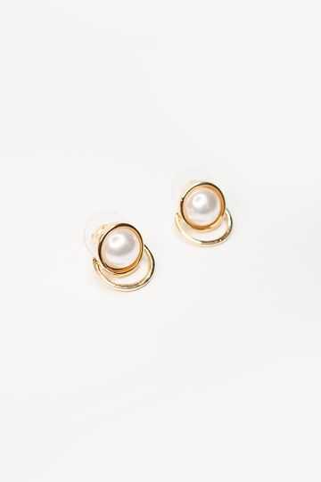 PEARL KNOB EARRINGS