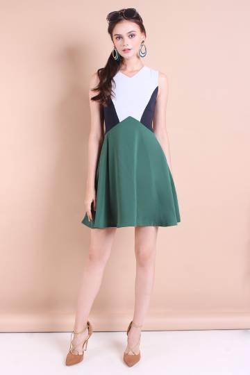 MYRA COLOURBLOCK FIT N FLARE DRESS IN FOREST GREEN [S/M/L]