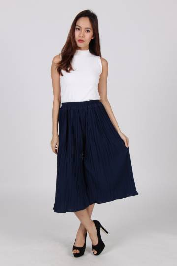 (Backorder - Stocks arriving 28 Sep or earlier) Pleated Wide Leg Culottes In Navy Blue