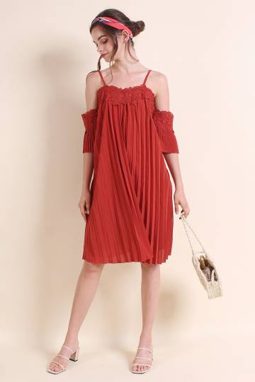 BIRDS OF PARADISE COLD SHOULDER PLEATED DRESS IN BURNT RUST [XS/S/M/L]