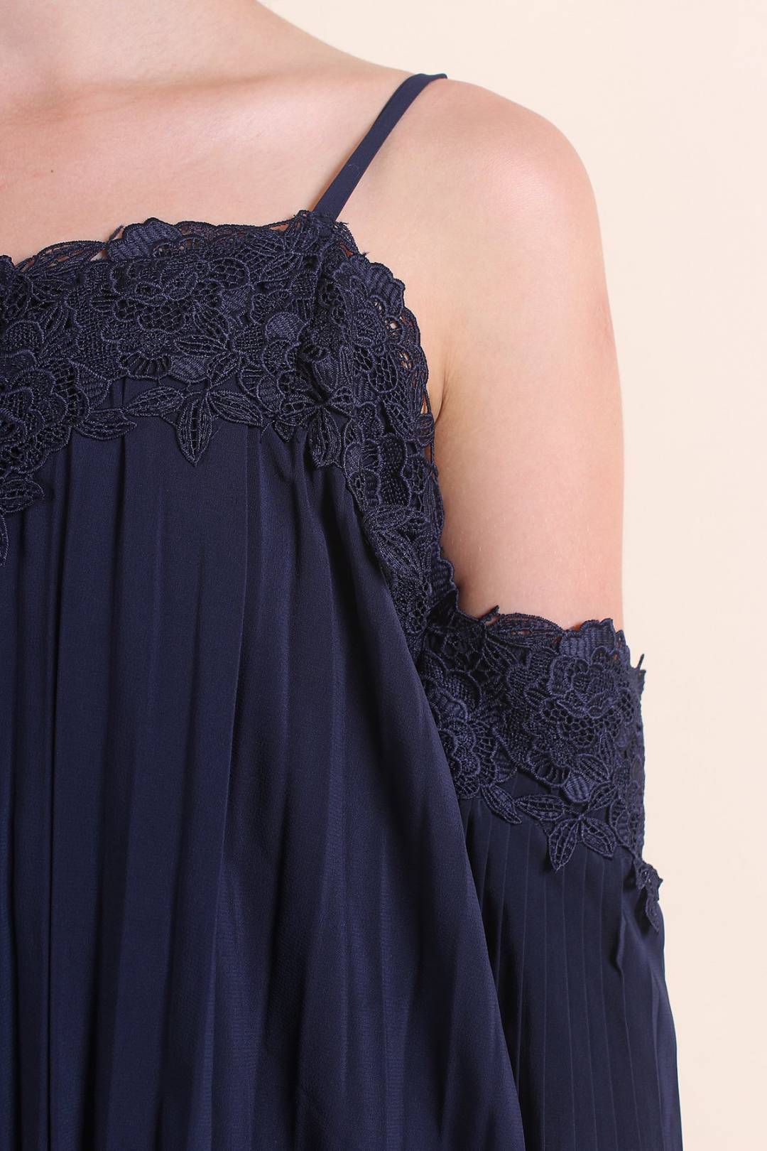 BIRDS OF PARADISE COLD SHOULDER PLEATED DRESS IN NAVY BLUE [XS/S/M/L]