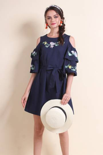 MADEBYNM ROSALIE EMBROIDERY COLD SHOULDER DRESS IN NAVY BLUE [XS/S/M/L]