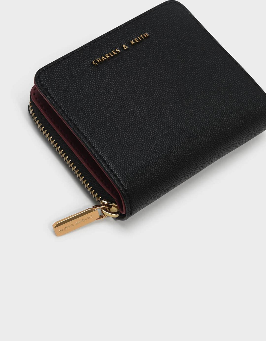 Classic Zipped Short Wallet