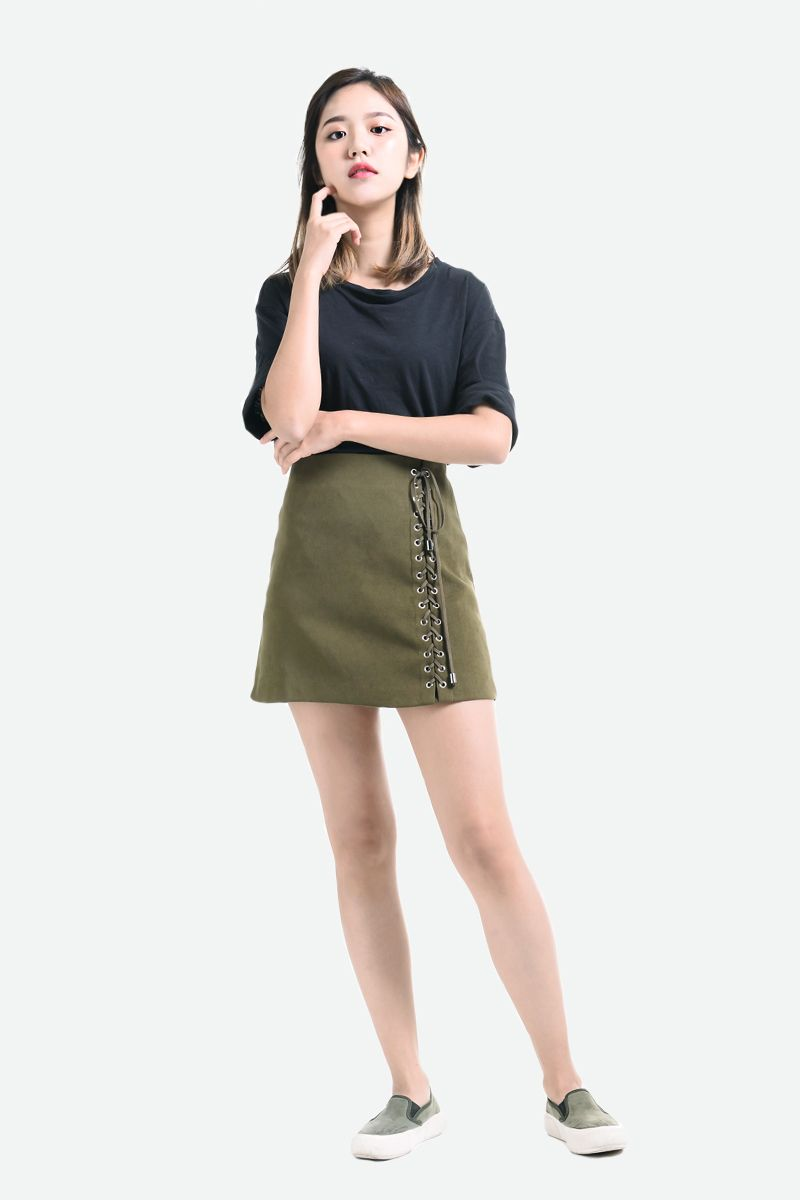 HOLE STRAP SHORT SKIRT In Olive