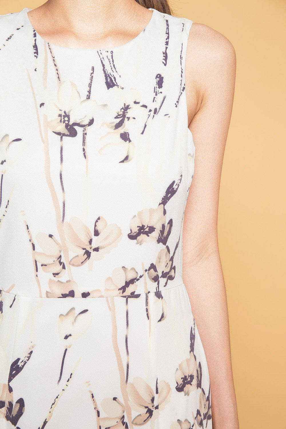 STEFANIE OFF-WHITE FLORAL FLOUNCE DRESS