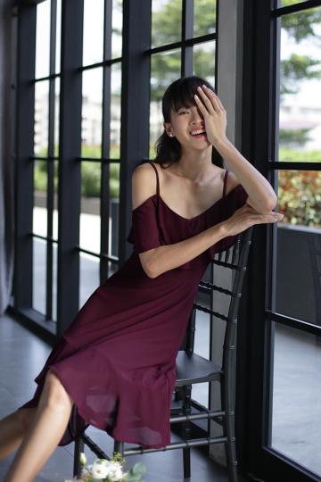 Sarah off Shoulder Midi Dress (Wine Red)