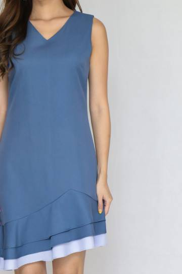 Valland Dress in Ash Blue (Size M)