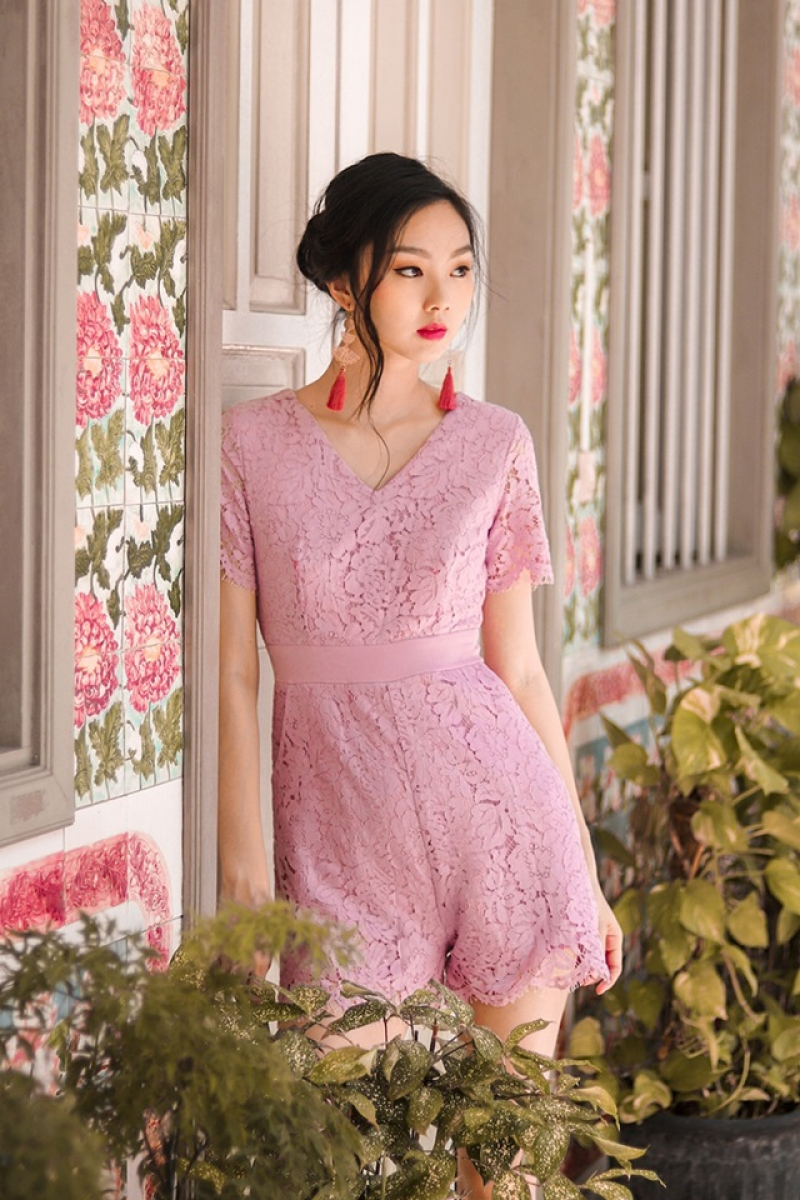 HELENA LACE SLEEVE ROMPER (LILAC)