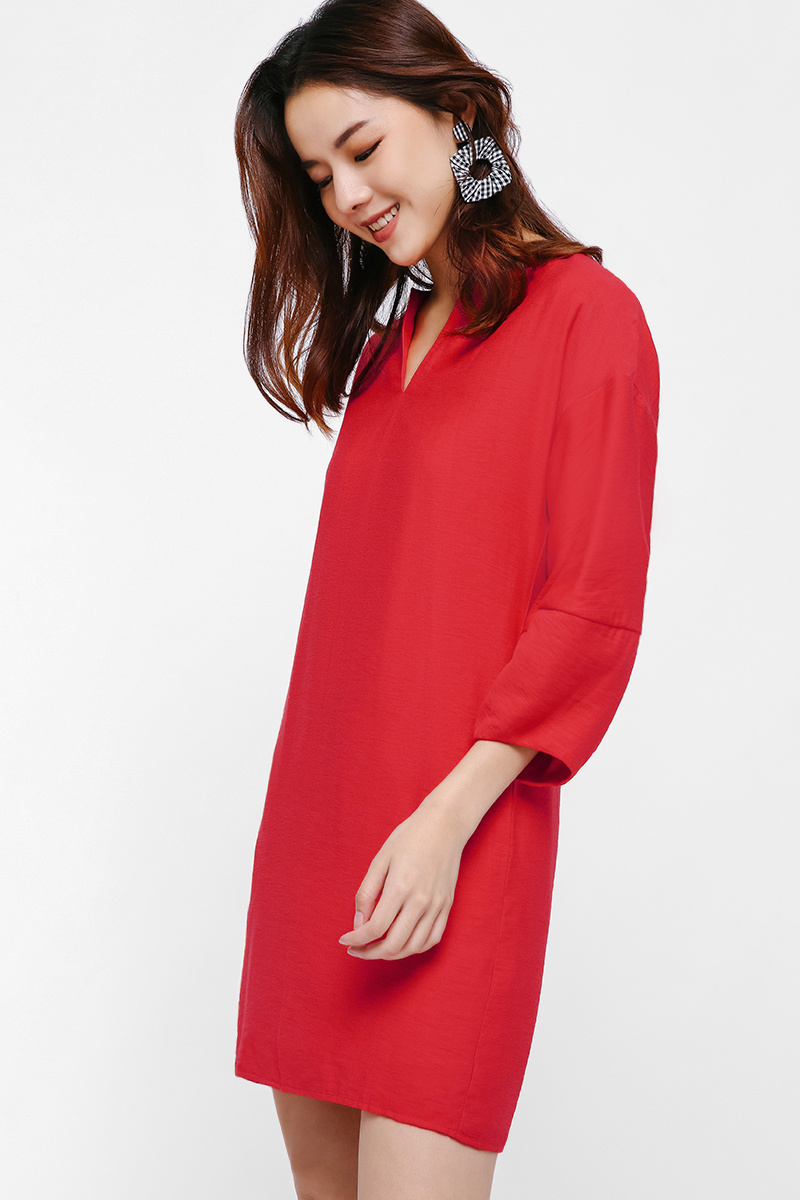 Zelena Relaxed Fit Notch Neck Dress