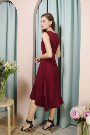 THRILL Faux Button Drop Hem Dress (Wine)