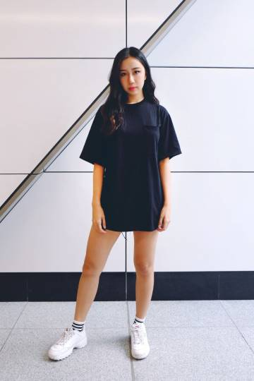 NICOLE T SHIRT WITH POCKET IN BLACK