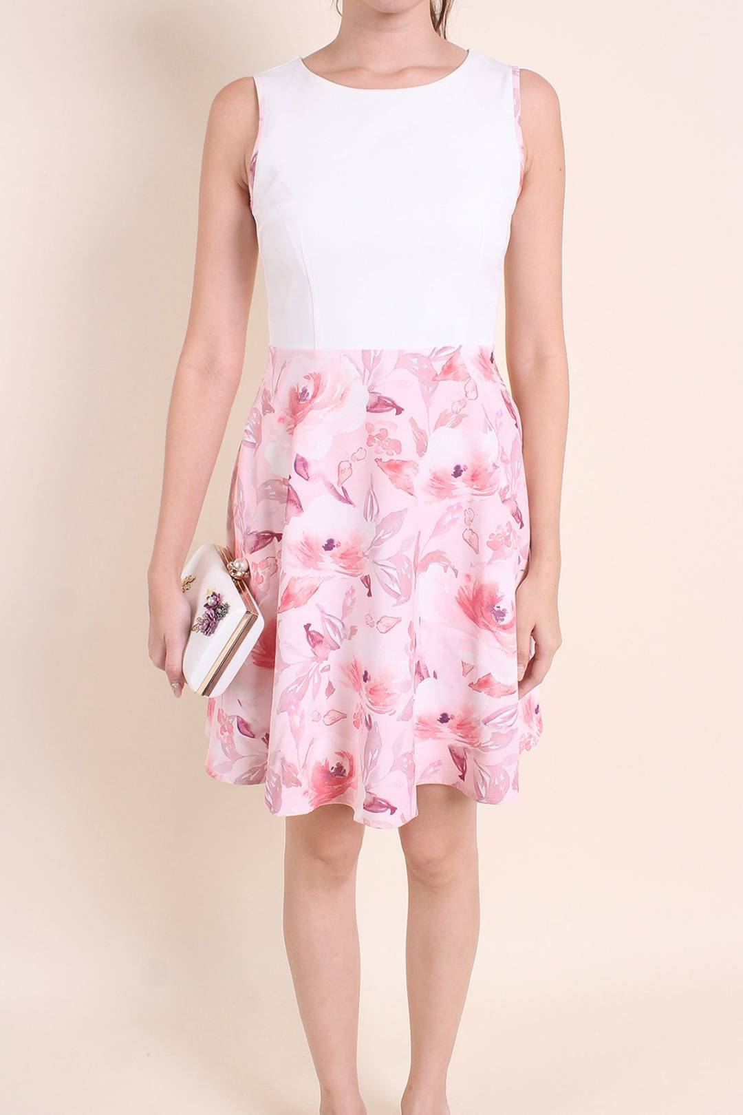 MADEBYNM BAI HE PIPED WATERFLORAL FIT-N-FLARE DRESS IN WHITE/ROUGE [XS/S/M/L/XL]