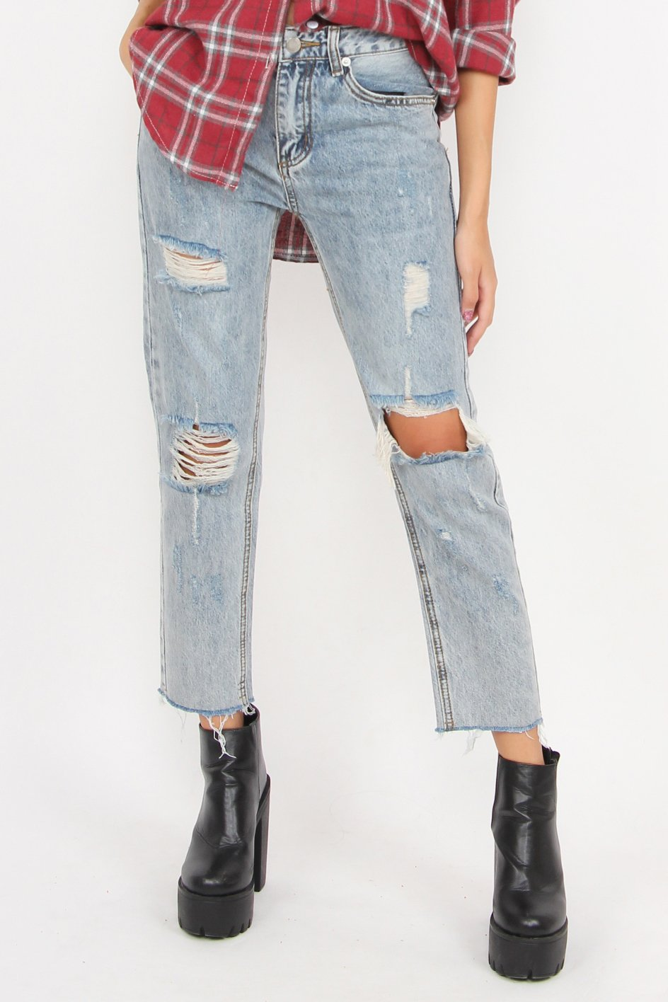 Cut Out Shredded Jeans