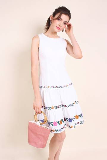 MADEBYNM GARDENIA FLORAL EMBROIDERY A-LINE TIER DRESS IN WHITE [XS/S/M/L/XL]