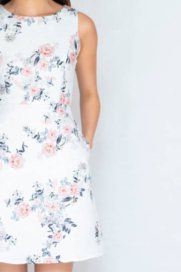 Chloe Embossed Dress In Floral (Size S)