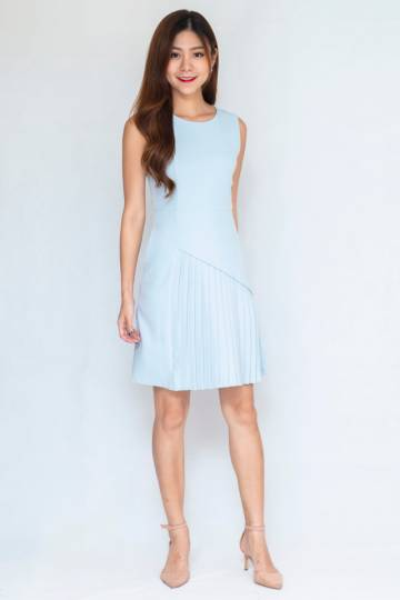 Buttertown Pleated Dress In Light Blue (Size S)