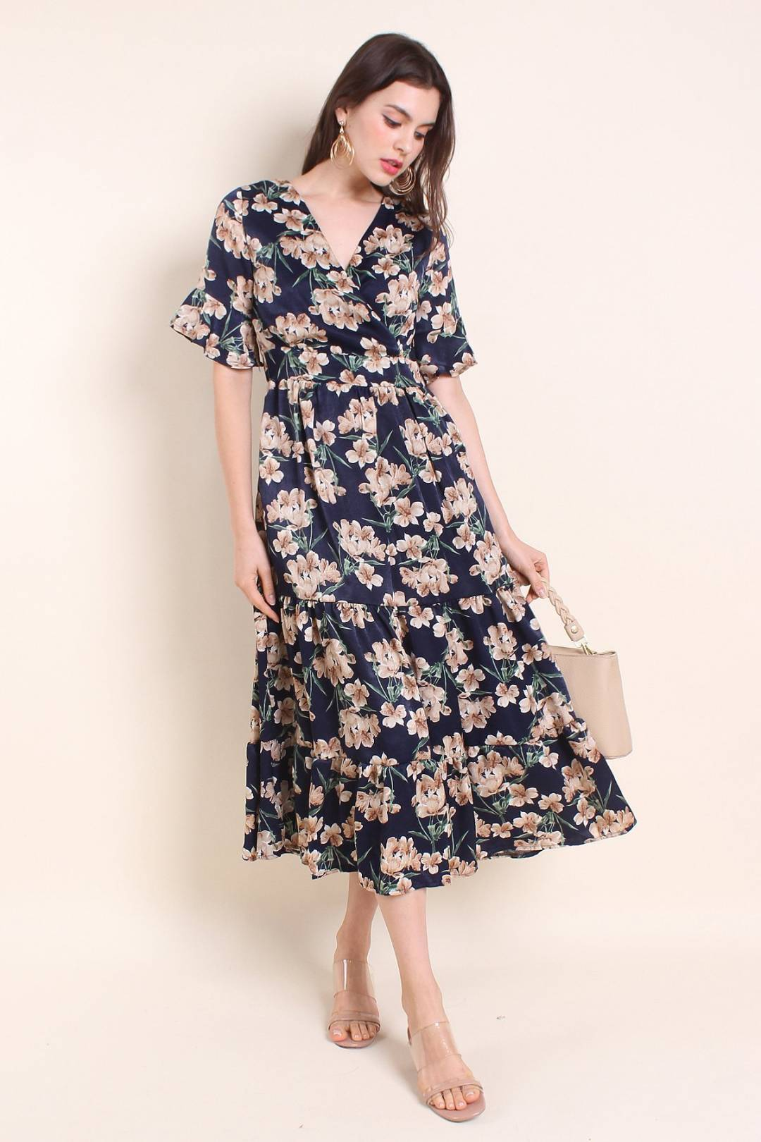 MADEBYNM LORISSA VINTAGE FLUTED SLEEVES MAXI IN NAVY FLORAL [XS/S/M/L]
