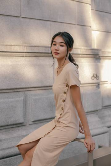 Timeless Button Midi in Nude
