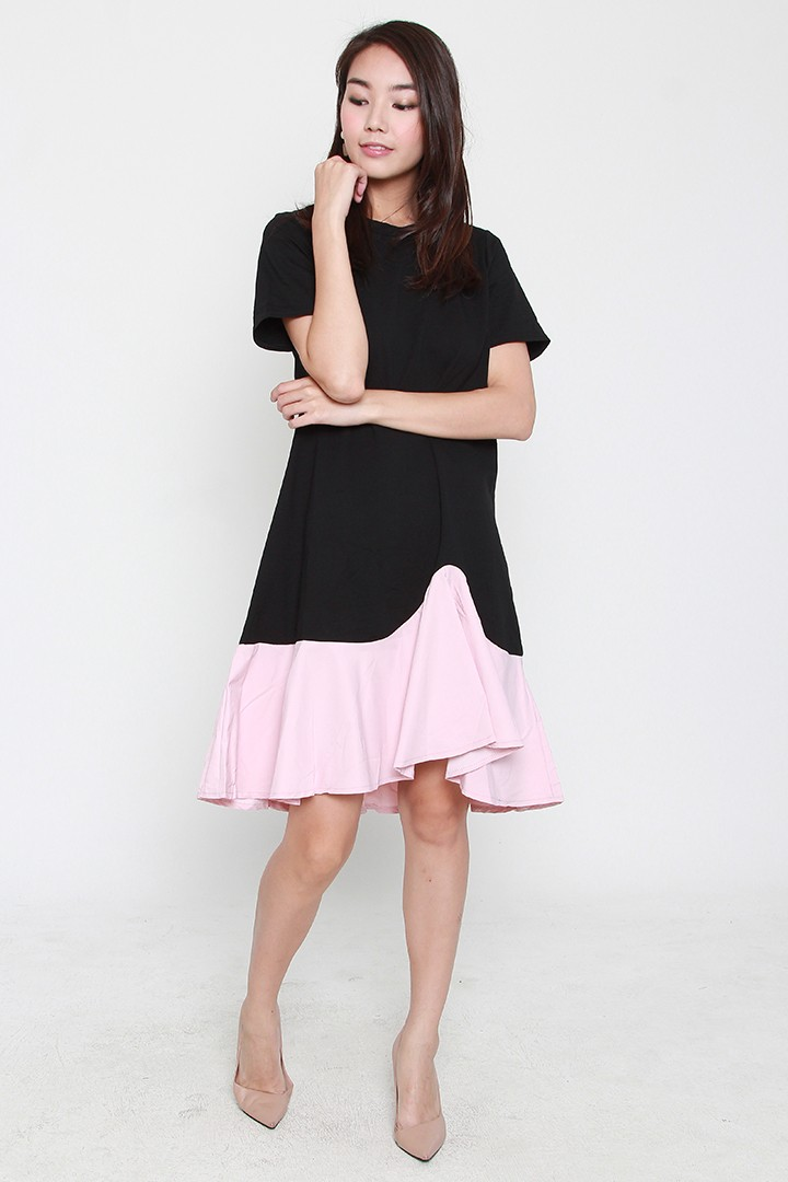 Jayci Colourblock Dress in Black Pink