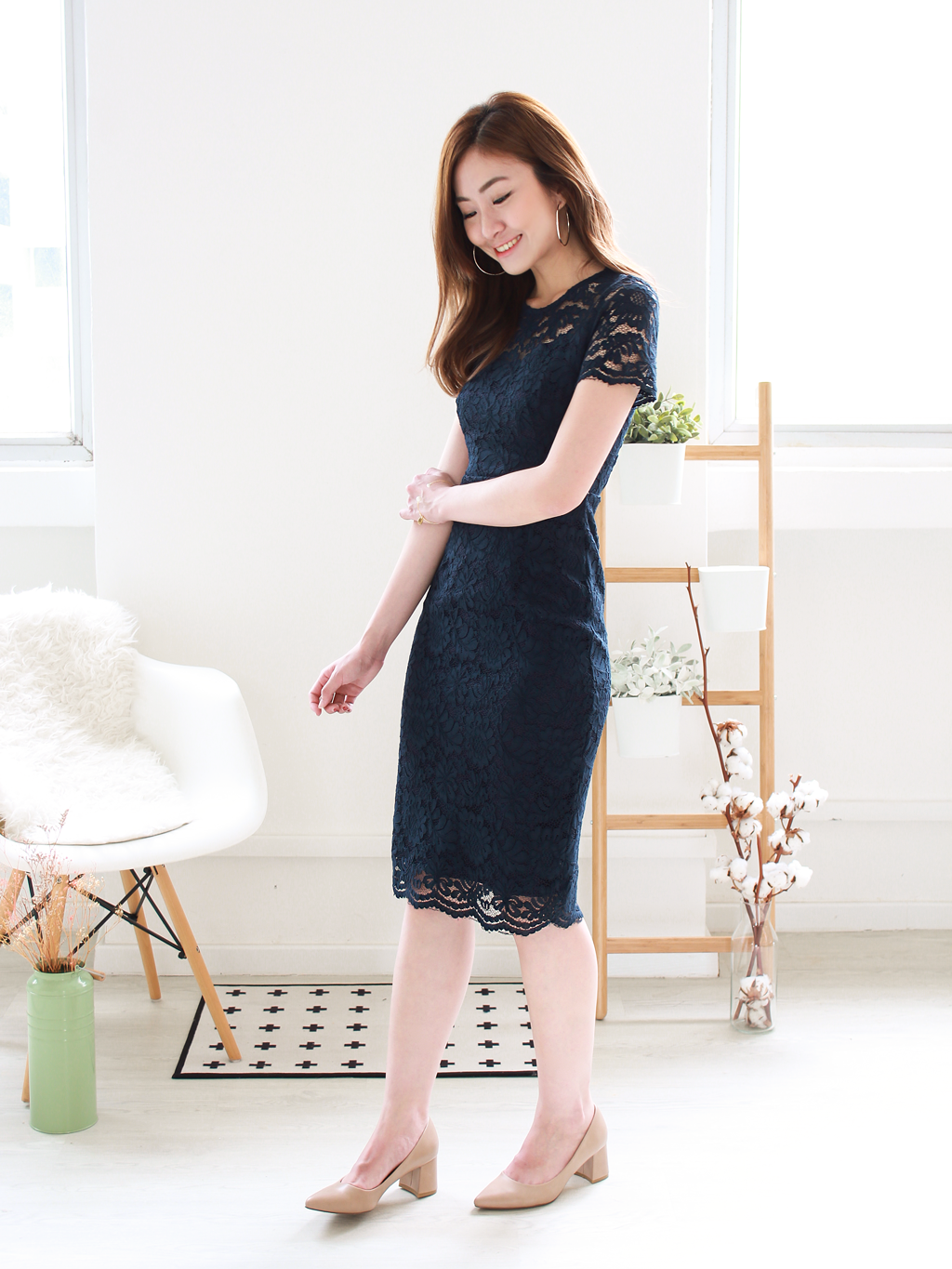 Layla Lace Midi in Navy