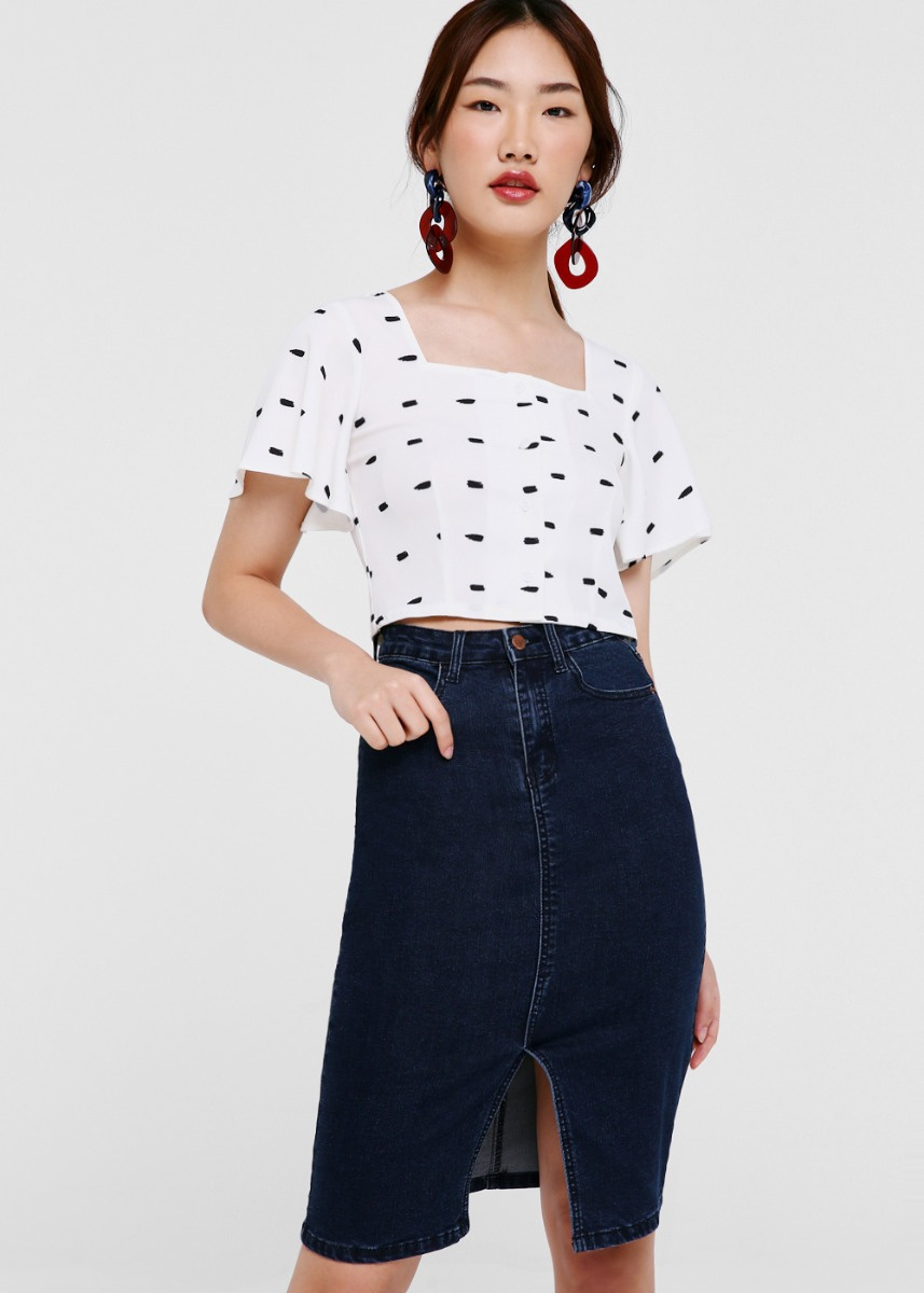 Etto Flutter Sleeve Crop Top