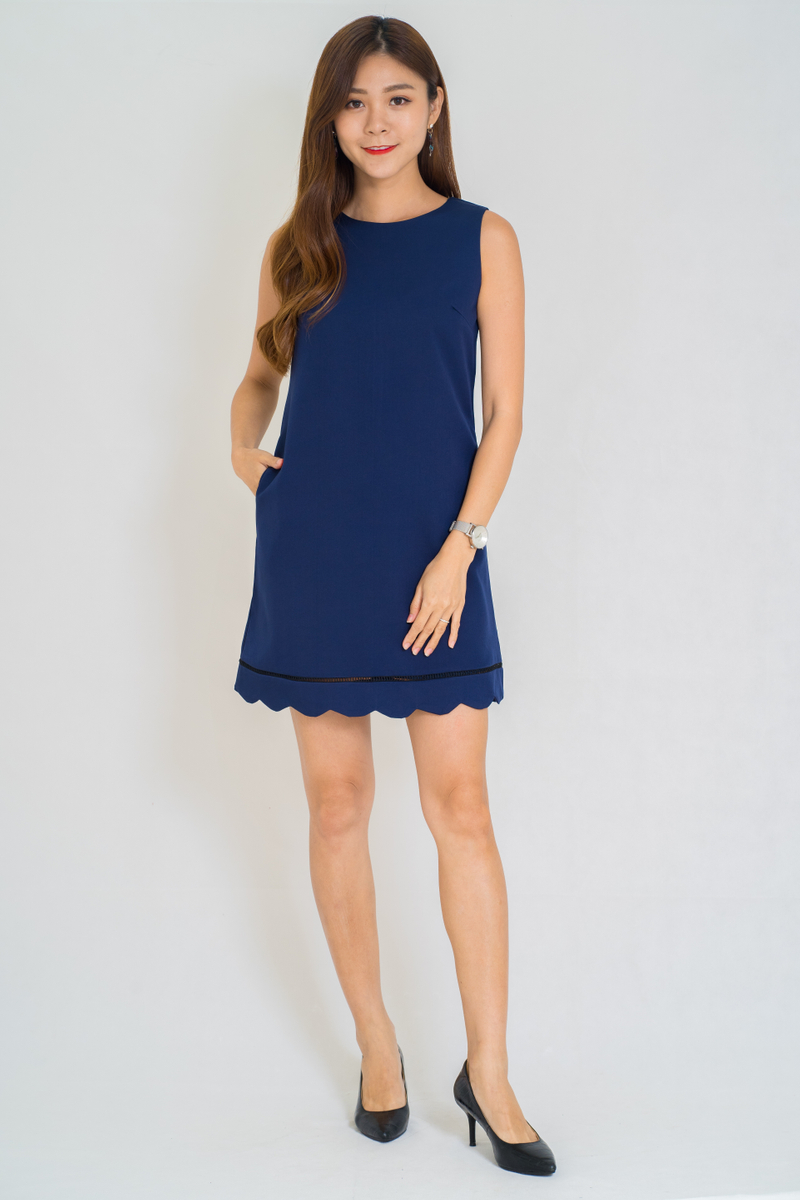Galison Scallop Details Dress In Navy (Size L)