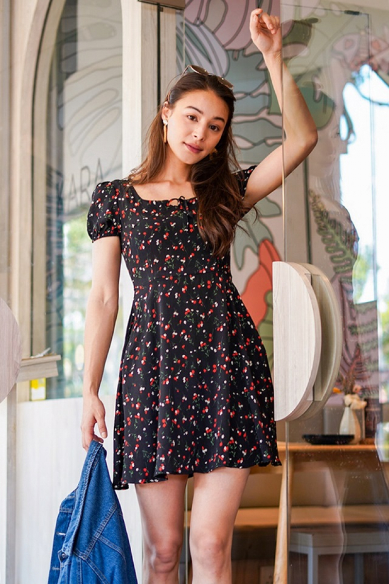 SAMMIE FLORAL SQUARE NECK TIE STRING DRESS #MADEBYLOVET (BLACK) *BACKORDER*