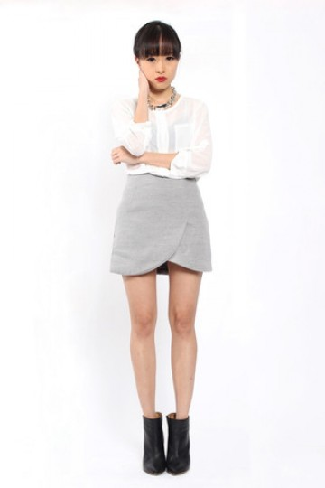 Kat Curve Hem Skirt in Grey