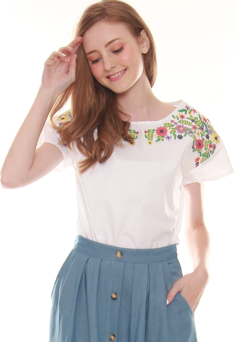615b09b5116d83 9382 FLORAL EMBROIDERY TOP. From JOVET (JOOP Boutique)