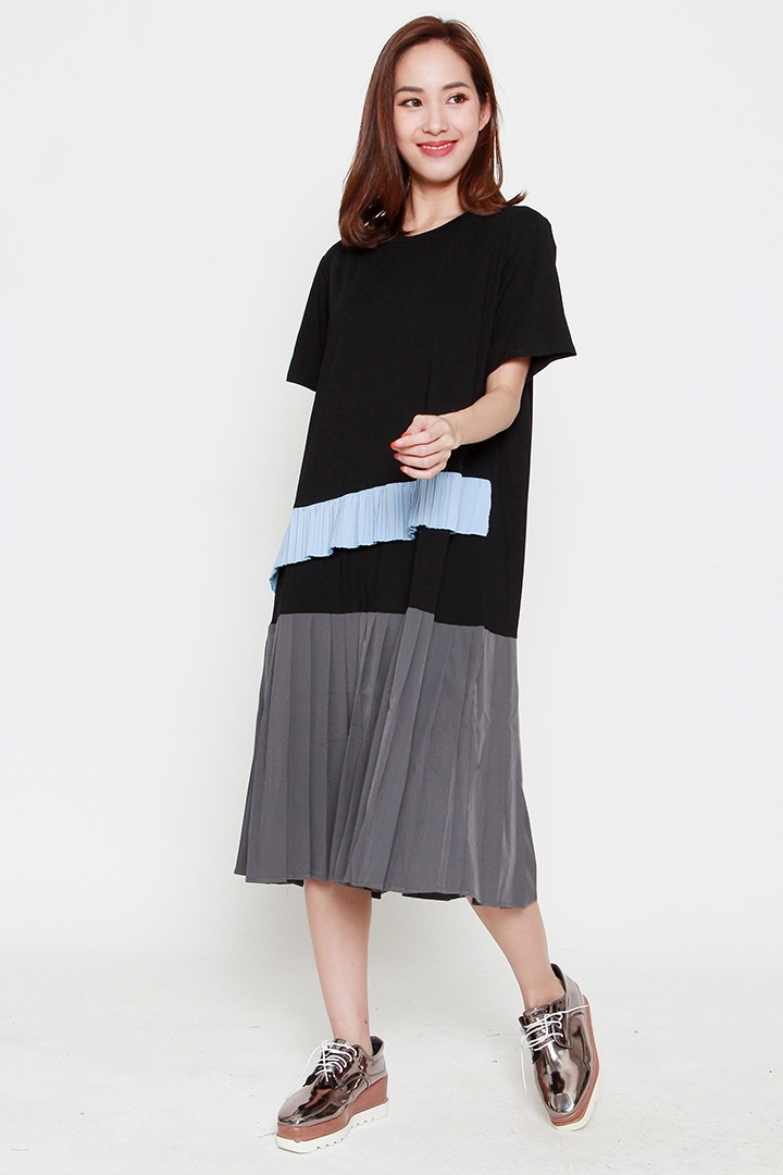 Panta Colourblock Pleated Dress in Black Blue Grey