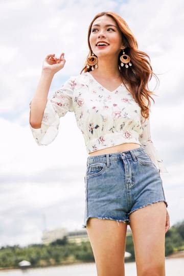 AILA FLORAL BELL SLEEVE TOP #MADEBYLOVET (WHITE)