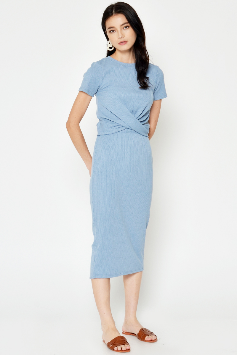 BACKORDER RIANE RIBBED TWISTED TOP LIGHT BLUE