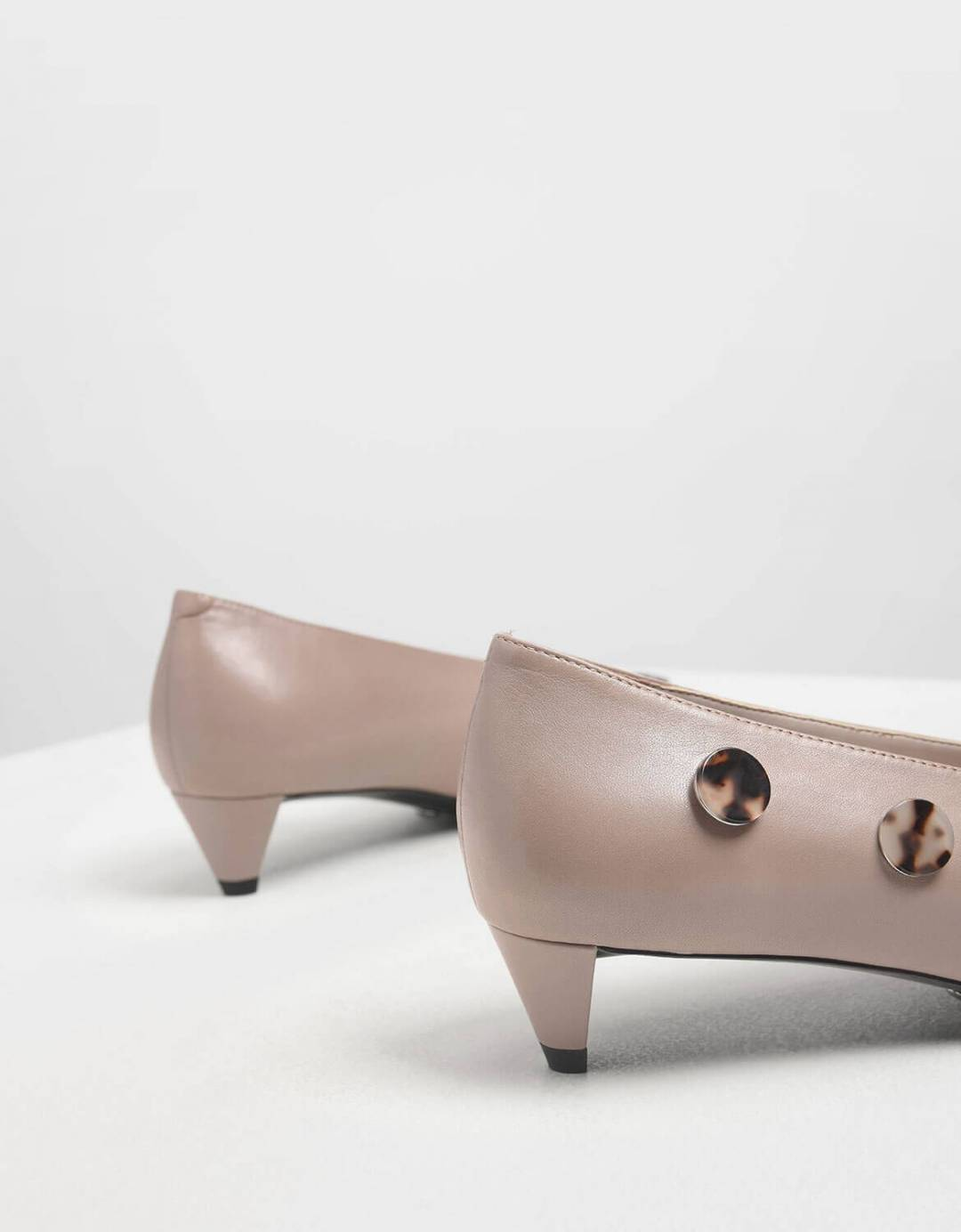 Tortoiseshell Button Detail Leather Pumps
