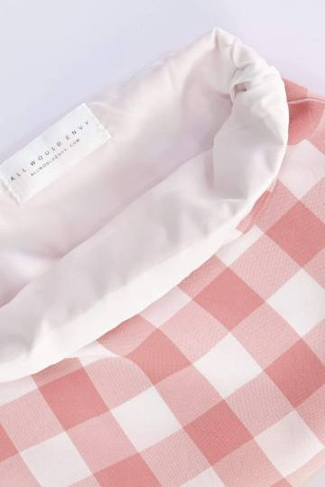 BIG GINGHAM POUCH IN STRAWBERRY