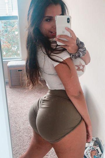 Size Up Women's Green Scrunch Shorts
