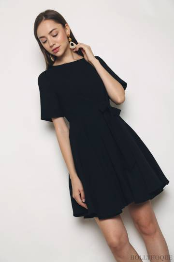 Calistia Tie Waist Shift Dress Black