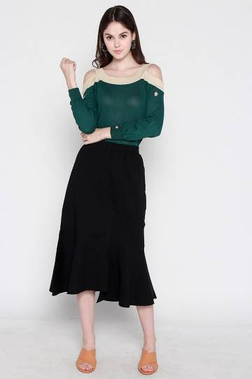 Diva Flare Skirt in Black