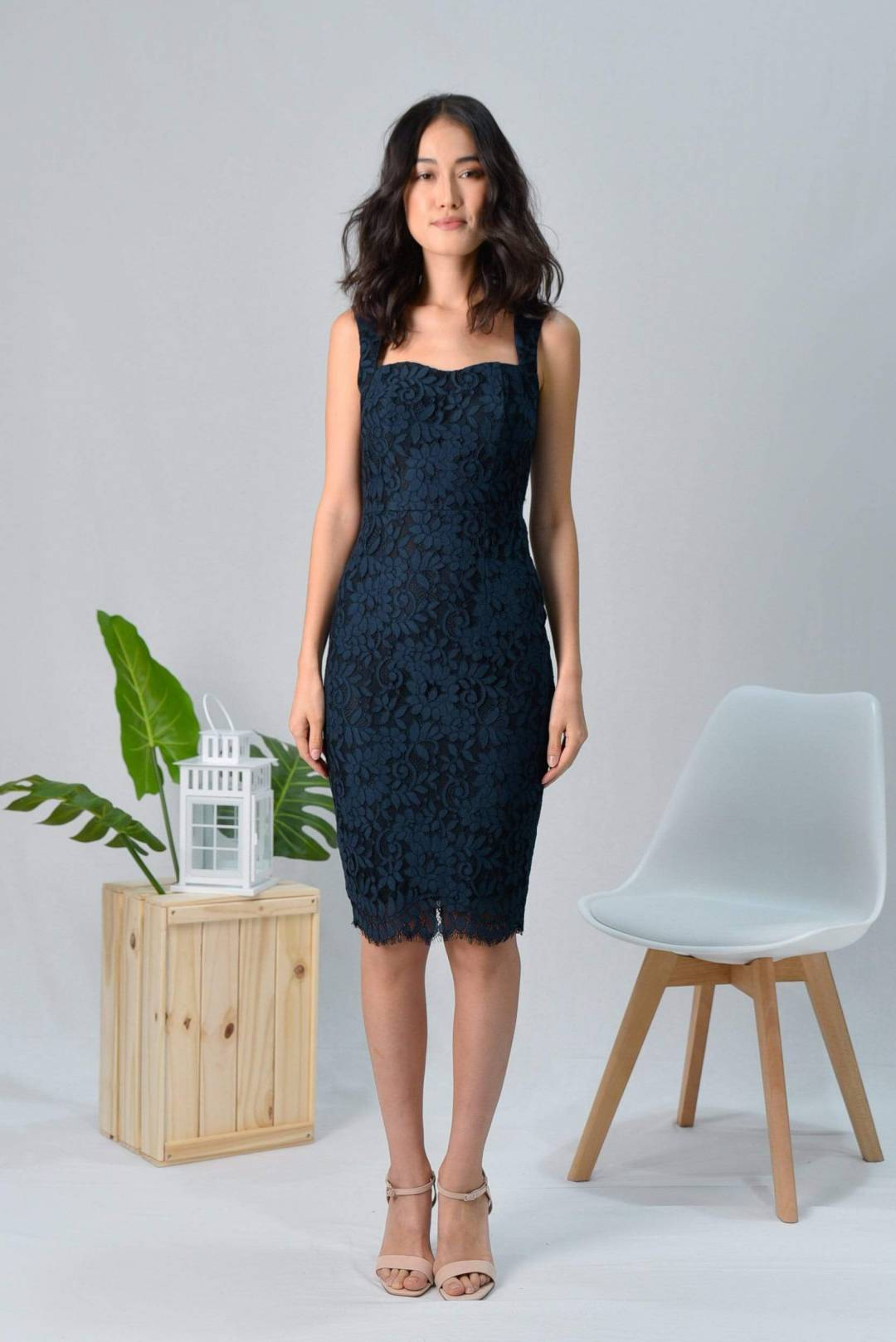 LYDIA NAVY LACE SWEETHEART DRESS