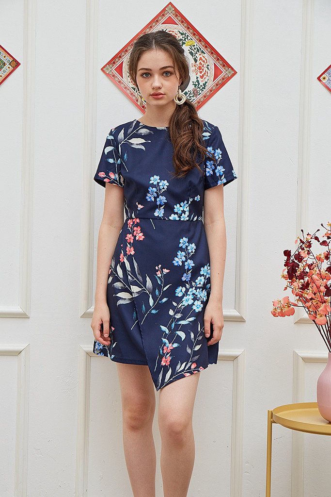 *Online Exclusive* Narelle Floral Overlap Dress in Navy (XS)