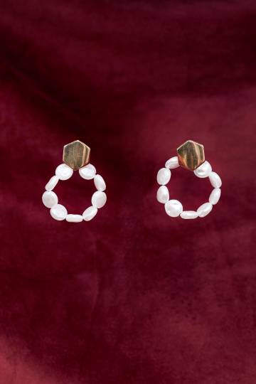 Shakku Chain Pearl Earrings