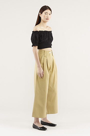 Eunisa Off-shoulder Top