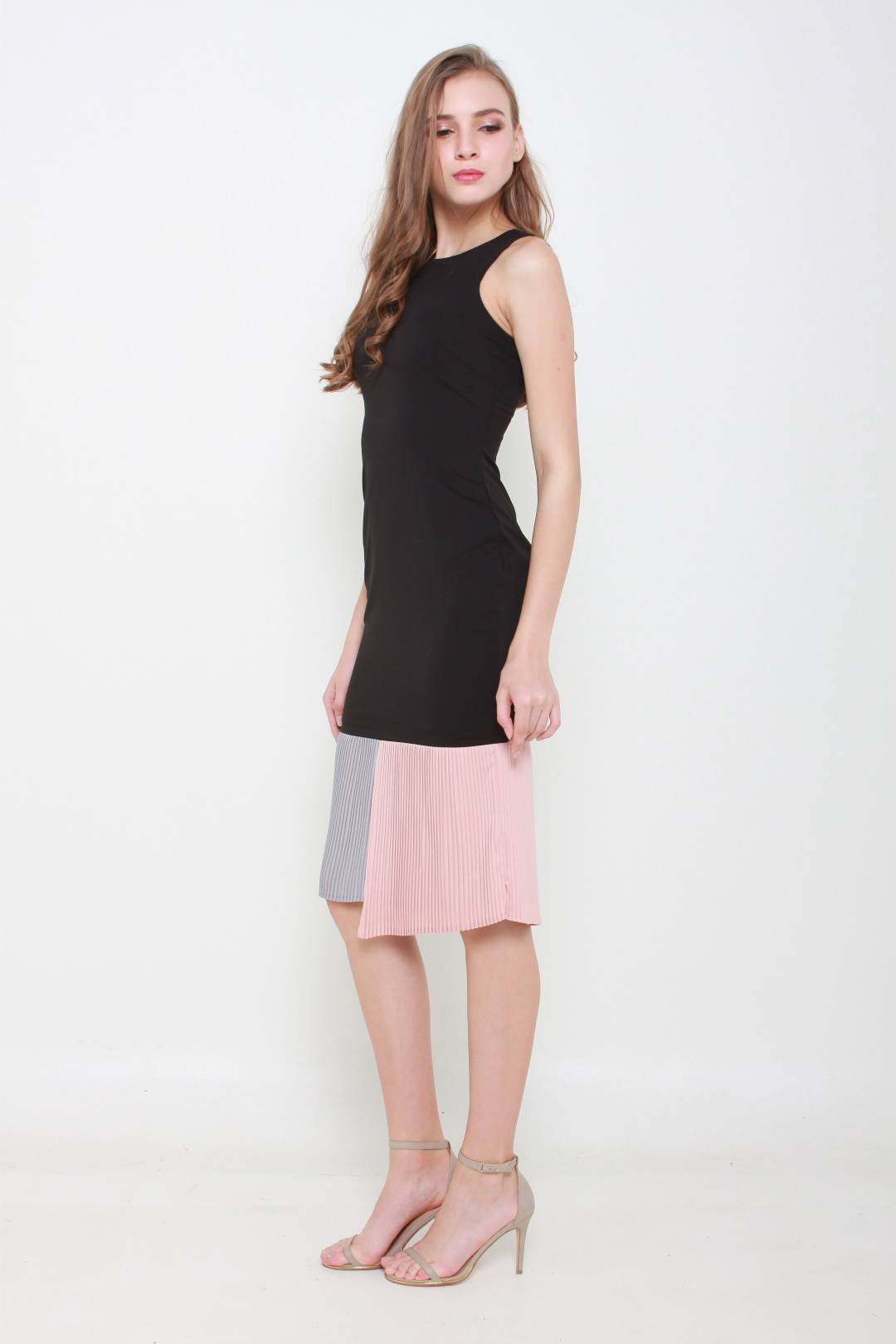 Victoria Pleats Fitted Dress (Black)