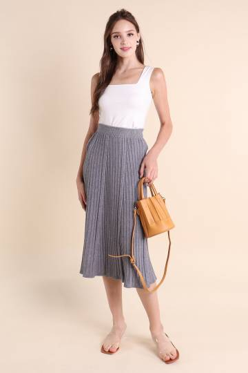 BASIC MEGAN PLEATED KNIT SKIRT IN GREY